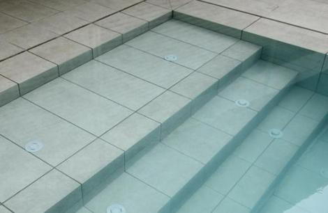 Gres porcel nico ditail for Coronacion de piscinas
