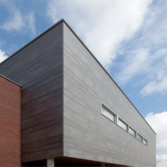 Porcelanico-Fachada-Encolado-Soluciones Ditail-Brede-School-Westerkoog-Koog-aan-de-Zaan-03bis