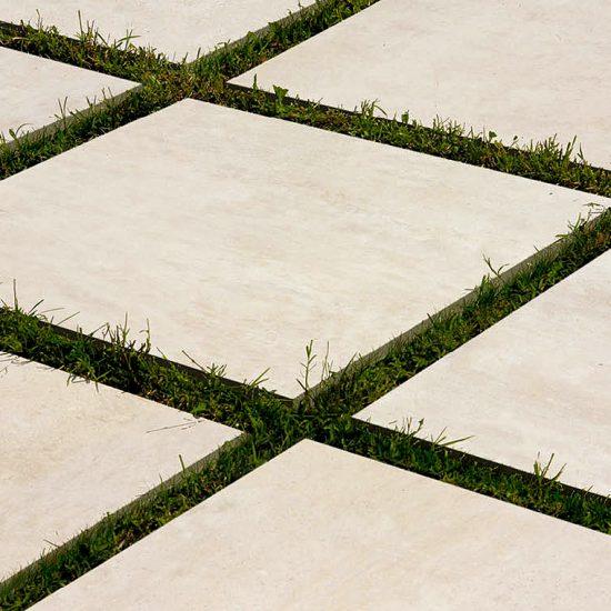 porcelanico-pavimento-exterior-soluciones-ditail-detalle-sobre-espesurado-porcelanico