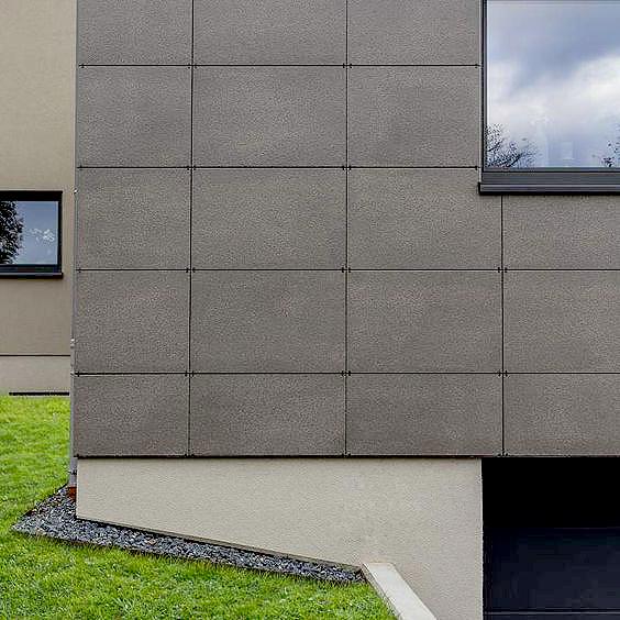 Porcelánico exterior-fachada-grapa vista