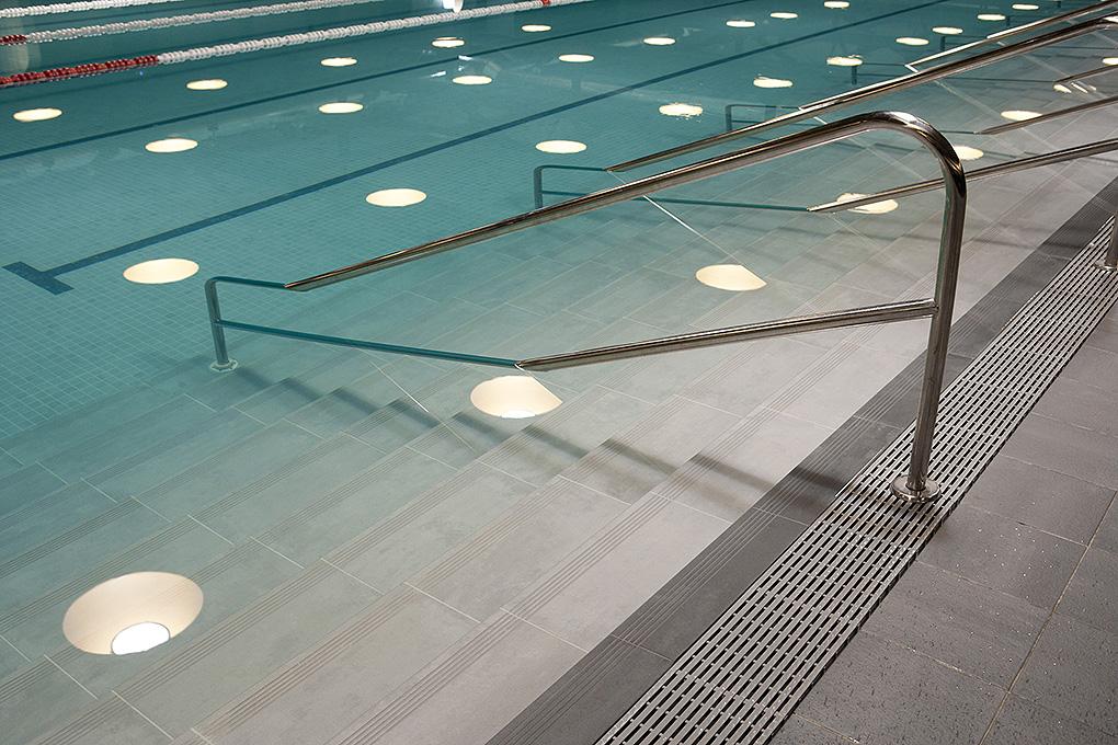 piezas-espaciles-piscina-exterior-ditail-la-alhondiga-bilbao-03