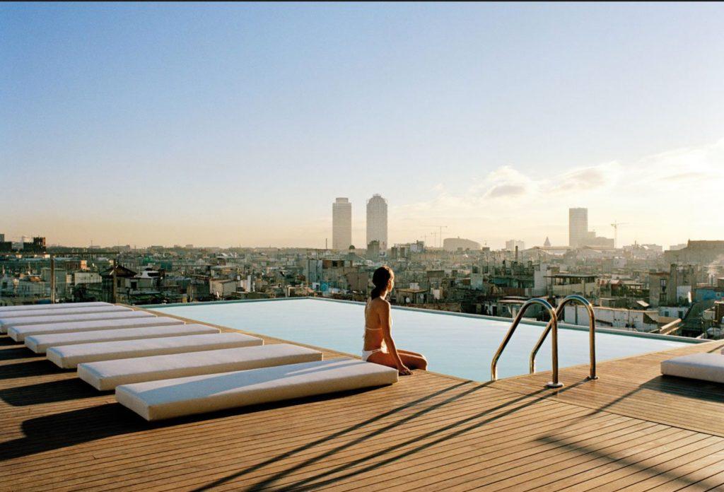 ditail-soluciones-terrazas-de-barcelona-sky-bar-gran-hotel-central