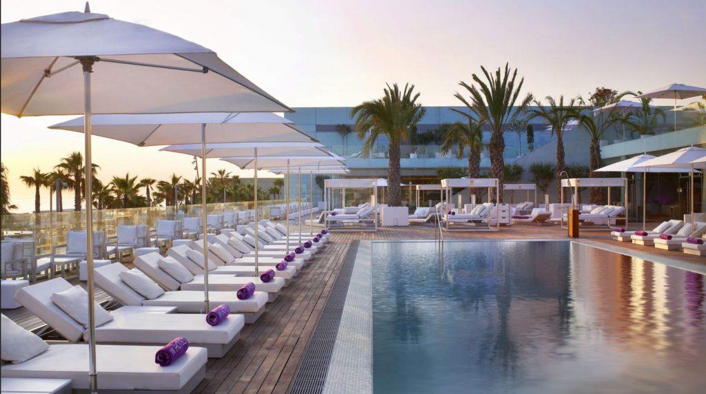 ditail-soluciones-terrazas-de-barcelona-wet-deck-en-el-w-hotel-barcelona