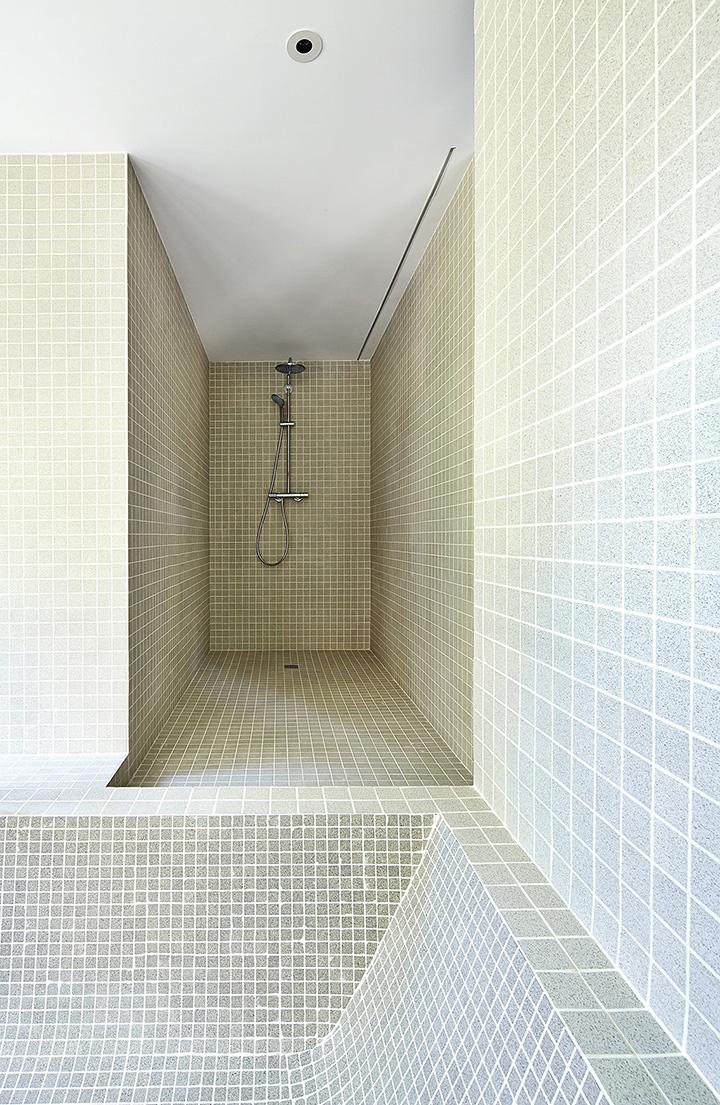 ditail-ceramica-mosaico-vivenda-s-sebastian-ducha-