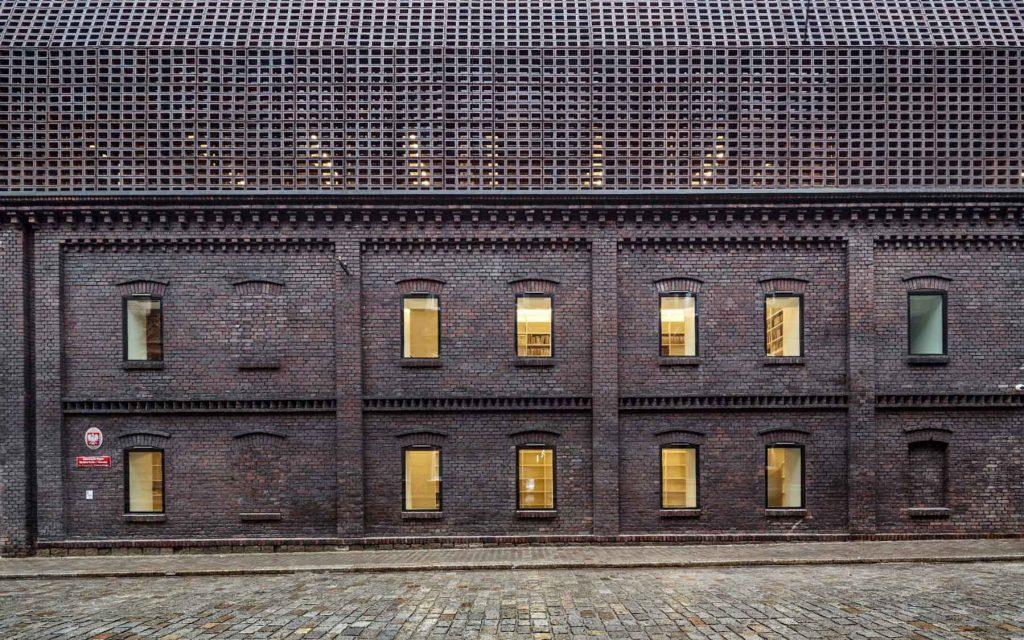 Ditail-wienerberger-construccion-brick-University_of_Silesia